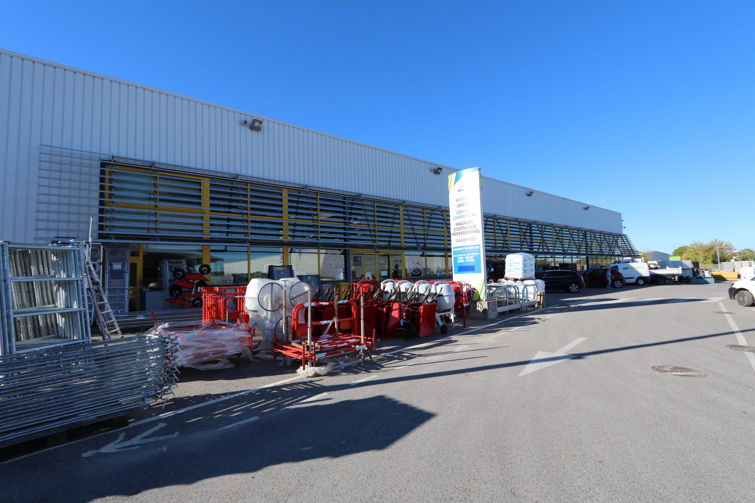 Agence Matériaux SIMC à Manosque - Vue extérieure du magasin