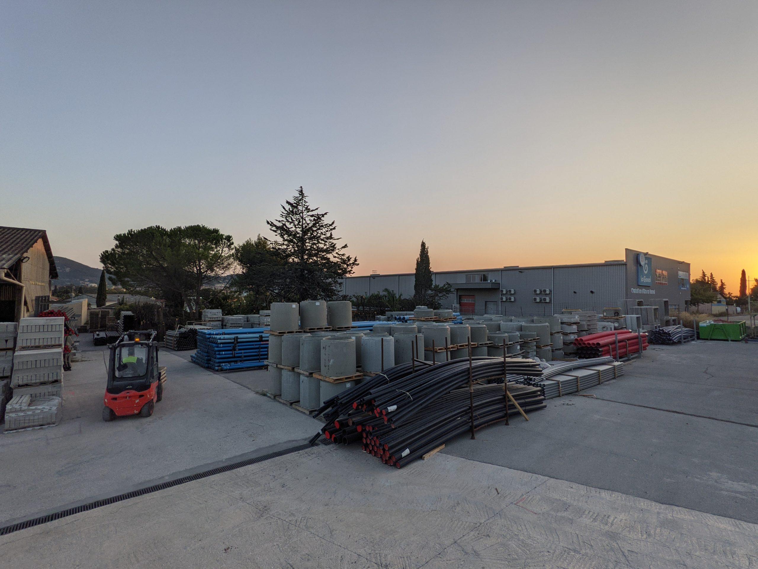Agence Matériaux SIMC Hyères - Vue du parc 1